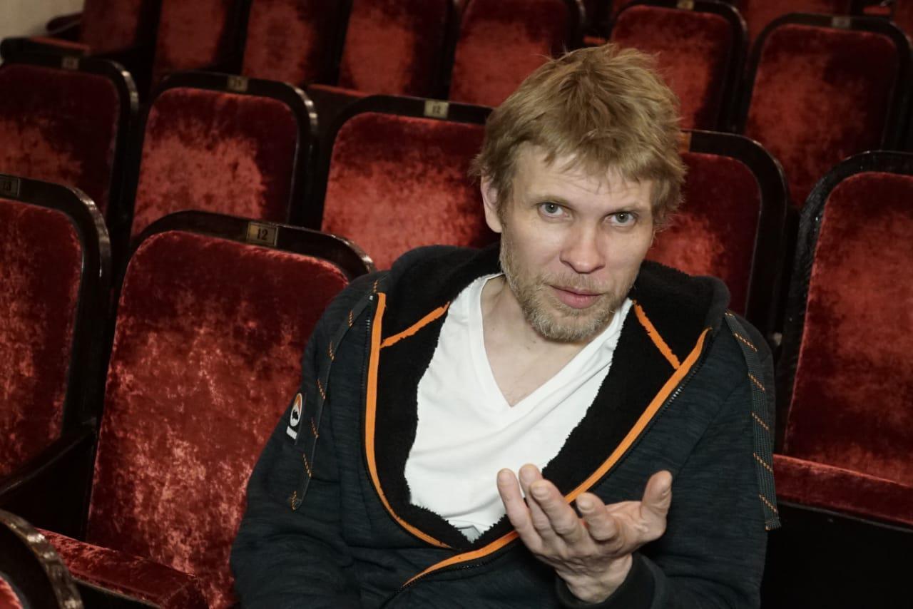 Знакомимся с режиссёром Максимом Атафьевым